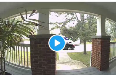 Topless FedEx delivery driver caught on camera!