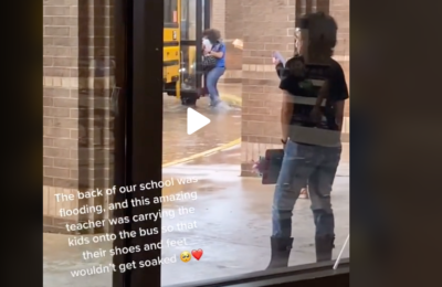 CFISD teacher carried kids onto the bus so their shoes wouldn't get wet